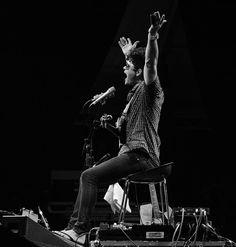 Ash Grunwald doing what he does best. @ashgrunwald #portfairypics #pfff16 #portfairyfolkfestival #pfff #greatoceanroad #folk #music #ashgrunwald by rodneyharrisphotography