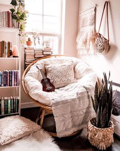 : The most cozy reading corner, as from Michelle shelfie papasanchair bohoroom . The most cozy reading corner, as from Michelle shelfie papasanchair bohoroom – apartment boh bohohomedecor bohoroom corner cozy homedecorbohemian homedecorstyles mich My New Room, My Room, Cozy Reading Corners, Cozy Corner, Reading Nooks, Cute Room Decor, Wall Decor, Aesthetic Room Decor, Cozy Aesthetic