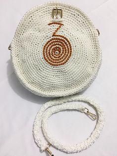 Bolsa Circular en crochet paso a paso Crochet Earrings, Projects To Try, Quilts, Dolls, How To Make, Bags, Diy, Jewelry, Bikini