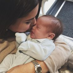Shared by Zoé. Find images and videos about baby, family and mom on We Heart It - the app to get lost in what you love. Baby Boy, Baby Momma, Mom And Baby, Baby Kids, Cute Family, Baby Family, Little Babies, Cute Babies, Future Mom