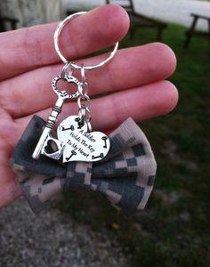 Army Bow Keychain by GreenStarAccessories on Etsy, $10.50