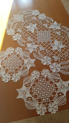 Image gallery – Page 428827195767167365 – Artofit Embroidery Fashion, Ribbon Embroidery, Embroidery Stitches, Embroidery Designs, Crochet Tablecloth, Crochet Doilies, Crochet Lace, Confection Au Crochet, Romanian Lace