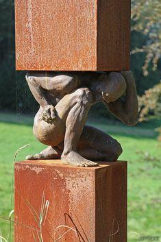 Metal Sculpture Wall Art, Human Sculpture, Outdoor Sculpture, Modern Sculpture, Sculptures, Anatomy Sculpture, Art Drawings Beautiful, Art Of Man, Art Model