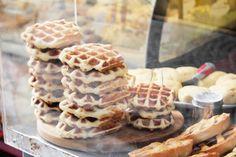 Italy | fresh waffles at the bakery