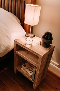 Rustic scaffolding wood bedside table home decor in 2019 mesitas de noche, Pallet Furniture, Furniture Projects, Furniture Plans, Rustic Furniture, Furniture Design, Bedroom Furniture, Wood Projects, Diy Bedroom, Handmade Furniture