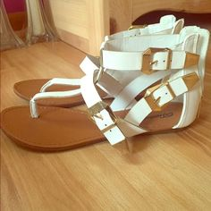 Breckelles White Sandals White sandals with gold buckles and zipper in the back. Size 9. Fits true to size. Perfect for summer!! Breckelles Shoes Sandals