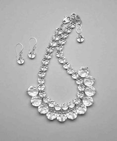 Center bead dangles in a simple design by Naomi Fujimoto! Find more icy jewelry inspiration at beadstylemag.com.