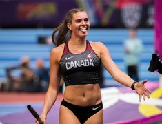 Canadian Pole Vaulter Alysha Newman after beating her previous world record, clearing and winning the Diamond League victory. I'm proud of my country! Alysha Newman, 1000 Calorie Workout, Track Senior Pictures, Beautiful Athletes, Pole Vault, Star Wars, Sporty Girls, Track And Field, Athletic Women