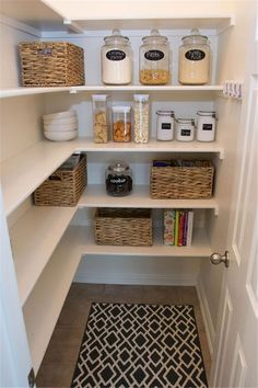 17 Awesome Pantry Shelving Ideas to Make Your Pantry More Organized Pantries are useful, but can quickly become messy and unorganized. Explore simple pantry shelving ideas ikea to spice up your kitchen storage and get things in order. Sage Kitchen, Farmhouse Pantry, Pantry Design, Kitchen Remodel, Home Kitchens, Modern Pantry, At Home Store, Understairs Storage, Pantry Decor