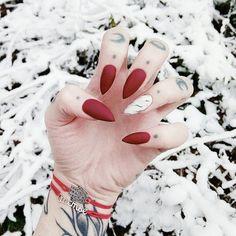 19.8 тыс. отметок «Нравится», 91 комментариев — Sofi (@sofi_neya) в Instagram: «Red&White♥❄ Мои маленькие помощники в исполнении желаний от @vse_ispolnitsya»