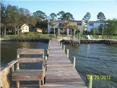 3/2.5 Townhome in Gulf Breeze on the water with this beautiful dock, deck, and balcony~ $1695