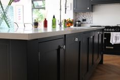 Made to measure fitted kitchens from Kingston. Each designed to your unique specification, craftsman made in Cheshire, delivered and installed nationwide. Farrow And Ball Kitchen, Shaker Style Kitchens, Cupboard Knobs, Handmade Kitchens, Bespoke Kitchens, Larder, Work Tops, Drawer Handles, Railings
