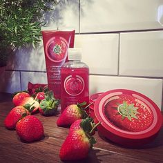 Fruity smoothing and softening for body. Sumptuous, succulent strawberry is one of our favorite berry fruits. Contains strawberry seed oil.