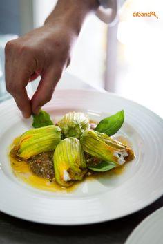 Fiori di Zucca Km 0 con Ricotta fresca al Basilico e leggero Pesto Trapanese