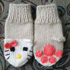 "Детские варежки ""Китти"" Mittens, Knitted Hats, Winter Hats, Knitting, Tulips, Knit Hats, Tricot, Knit Caps, Fingerless Mittens"