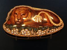 1804-09 This Swiss snuffbox was probably made to be sold in the Far East  Geneva, Switzerland; maker's mark of Moulinie, Bautte & Cie   Enamelled gold set with pearls