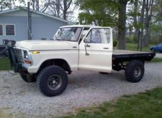 Someone buy me this 1979 flatbed ford!<3