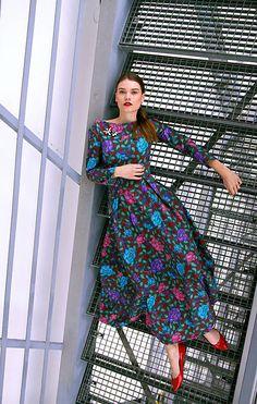 VivienMihalish / Bavlnené maxi šaty plné farebných kvetov My Style, Clothes, Dresses, Fashion, Outfits, Vestidos, Moda, Clothing, Fashion Styles