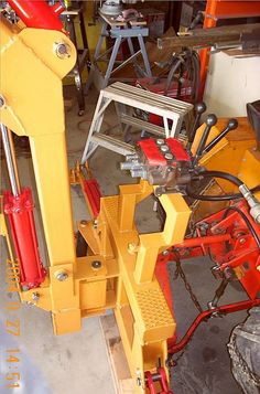 """Gallery - Category: Customers Pics: The """"Micro Hoe"""" for small tractors Small Tractors, Compact Tractors, Garden Tractor Attachments, Homemade Tractor, Tractor Accessories, Digging Tools, Tractor Loader, Tractor Implements, Mini Excavator"""