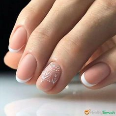 Best Nail Hardener for Weak Nails on the Market If you suffer from weak, brittle nails you really should cure and strengthen your nails. Get the best nail hardener for weak nails and keep them healthy and beautiful. Glitter Nails, Gel Nails, Nail Polish, Nail Hardener, Classic Nails, Brittle Nails, Trendy Nail Art, French Tip Nails, Nagel Gel