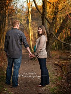 A maternity session in the woods. | Three Irish Girls Photography | Duluth, MN | #maternity #photography