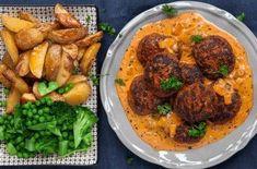 Ajvarbiffar med krämig paprikasås - Recept - Stowr