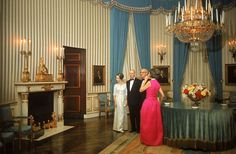 How Past Presidents Have Decorated the White House Melania Trump will soon redecorate the White House, so we decided to look at the past for some home decor inspiration. Take a look at how the White House has been decorated in the past!   This is how the Johnson Administration decorated The Blue Room, 1965.