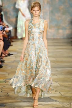 Tory Burch Spring 2016 Ready-to-Wear Fashion Show - Alexandra Elizabeth