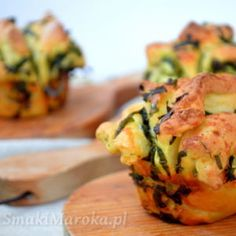 Drożdżowe muffiny z czosnkiem niedźwiedzim Zucchini, Yummy Food, Vegetables, Delicious Food, Vegetable Recipes, Veggies
