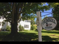 The Trumbull House - A country B&B located in Hanover, New Hampshire, home to Dartmouth College.