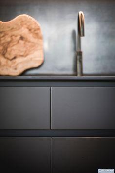 Minimalistische villa Bosch en duin - Culimaat - High End Kitchens Latest Kitchen Designs, Modern Kitchen Design, Luxury, House, Home Decor, Ideas, Modern Kitchens, Kitchen Design, Trendy Tree