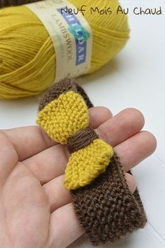 In yellow and brown . – Nine Months Hot . Loom Knitting, Baby Knitting, Knitting Patterns, Crochet Patterns, Vintage Knitting, Bonnet Crochet, Diy Crochet, Diy Headband, Baby Headbands