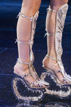 b7be43be330 Guo Pei at Couture Spring 2018 - Details Runway Photos Couture Shoes