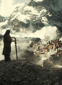 Thorin staring at the ruins of Dale