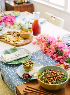 Middle Eastern Feast. All Vegan Recipes. BIRDS OF A FEATHER GETTOGETHER! - a house in the hills