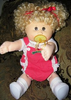 """Awesome """"real life baby dolls"""" information is offered on our website. Check it out and you will not be sorry you did. 90s Childhood, Childhood Memories, Dolls From The 80s, Plush Craft, Vintage Cabbage Patch Dolls, Real Life Baby Dolls, Cabbage Patch Kids Dolls, Troll Dolls, Soft Sculpture"""