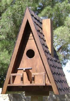 a-frame-bird-house-with-chimney-and-rear-viewing-door. Bird House Plans, Bird House Kits, Bird Houses Painted, Bird Houses Diy, Bird House Feeder, Bird Feeders, Modern Birdhouses, Bird Boxes, Little Houses