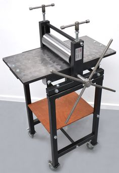 Bench Top or stand optional, prints all intaglio and relief plates, from etchings to thick woodblocks. Runners and printing blanket included in price.