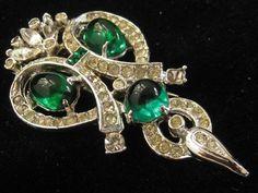 Trifari Key - Upload to Mink Road 2015 Real Costumes, Art Nouveau Jewelry, Emeralds, Monet, Costume Jewelry, My Heart, Jewelry Accessories, Vintage Fashion, Key