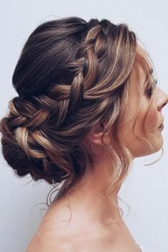 Hair is an important material primarily composed of protein, notably keratin. Hair care is your hair type. Your hair goals. Your favorite hair color Here you find all the possible methods to have perfect hair. Bridal Hair Updo, Bridal Hair And Makeup, Hair Makeup, Prom Hair Updo, Wedding Updo With Braid, Boho Wedding Hair Updo, Hair Dos For Wedding, Wedding Hairdos, Curled Hair Updo