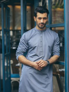 Check the best of summer kurta designs collections in for all the teenage boys and men to acquire an elegant stylish look for the summer season. Gents Kurta Design, Boys Kurta Design, Kurta Pajama Men, Kurta Men, Wedding Kurta For Men, Mens Shalwar Kameez, Stylish Mens Outfits, Casual Outfits, Casual Blazer