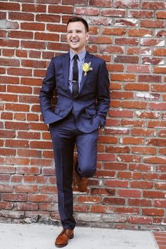 Dark blue suit, gingham shirt, brown shoes - This is almost exactly what Chris and the best man will be wearing but with lovely lavender buttonholes! Jonah will have the same but with waistcoat instead of jacket.