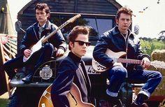 NoneBackbeat - Os Cinco Rapazes de Liverpool 1994 Stuart fez parte da banda bem no início, na fase alemã, com o quarteto tentando a sorte em Hamburgo