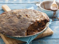 Serves: 6 Preparation: 10 min Cooking: 1 hr 10 min 125 ml (½ c) treacle sugar pinch of salt Pudding Desserts, Pudding Recipes, Dessert Recipes, Sticky Pudding, South African Recipes, Food Inspiration, Cooking Recipes, Vegetarian Recipes, Sweet Tooth