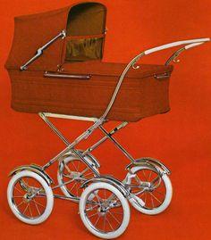 AWN 260-serien  I samma broschyr för 1972 finns denna vagn.  Reliefmönster på långsidorna.  Vävplast eller textil och celluloidhandt