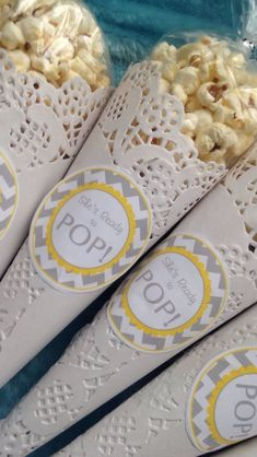 Newest Images Baby Shower Favors popcorn Style There are so many concepts for party themes or templates along with we are seeing many lovable and unique deve. geschenk Newest Images Baby Shower Favors popcorn Style Fotos Baby Shower, Idee Baby Shower, Baby Girl Shower Themes, Baby Shower Balloons, Baby Boy Shower, Unique Baby Shower, Baby Shower Game Gifts, Best Baby Shower Favors, Baby Shower Favours For Guests