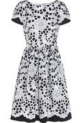 Printed stretch-cotton dress    -Soft pleated skirt  -Floral print cotton-blend Dress    #trend #monochrome #signature #floral #black #white #silhouette #season #print
