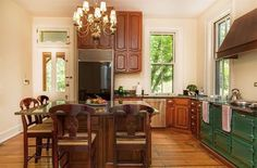 Historic Cincinnati Victorian House - Vintage Green Stove