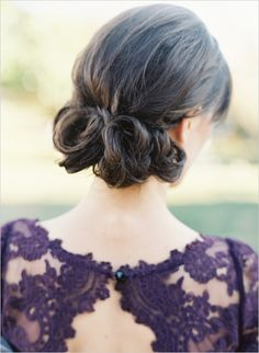 cute wedding updo #weddinghair #updo #weddingchicks http://www.weddingchicks.com/2014/02/14/hard-meets-soft-fall-wedding-inspiration/