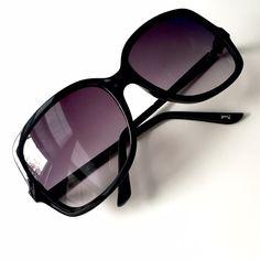 LC Lauren Conrad Sunglasses LC Lauren Conrad (Kohl's) black sunglasses, used, in good condition! LC Lauren Conrad Accessories Sunglasses